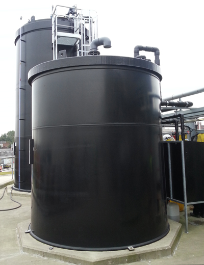 Chemical storage tanks in PE100-RC